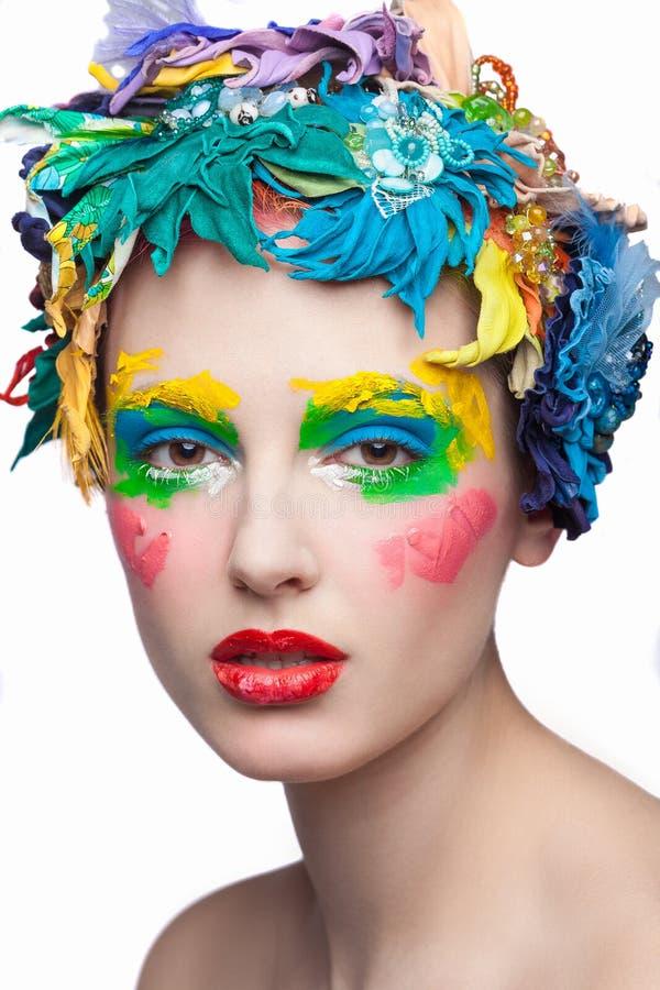 Schoonheidsmeisje met Materiële Bloemen Mooi model stock foto