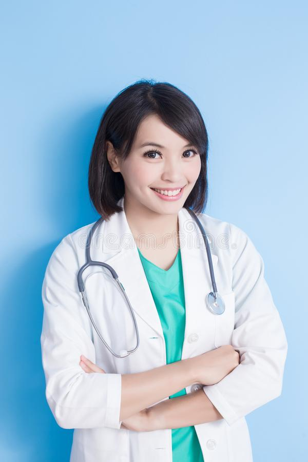 Schoonheidsvrouw arts stock afbeelding