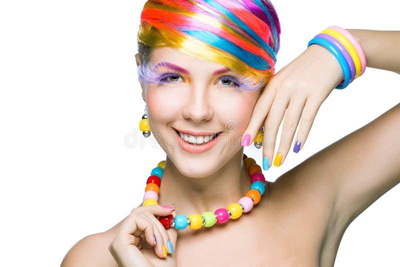 Schoonheidsvrouw met heldere make-up stock afbeelding