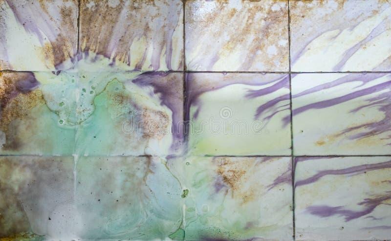 Schoonmakend chemische vloeistof van kalksteen en vlek vuil in ton stock afbeelding