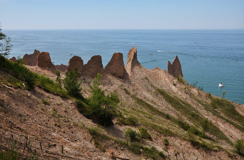Schoorsteen Bluffs dichtbij Grote Sodus Baai, New York stock foto