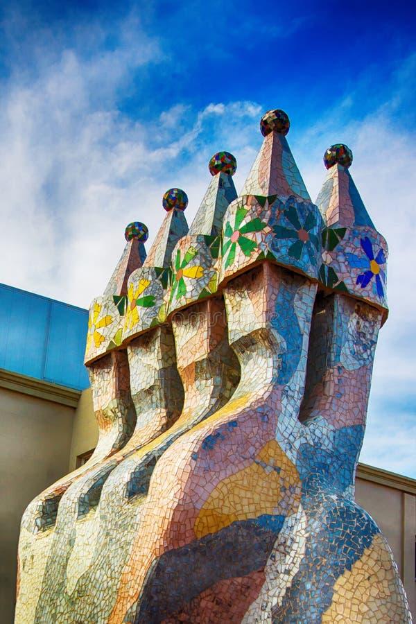 Schoorsteen van de bouw van Casa Batllo in Barcelona in Spanje royalty-vrije stock foto's