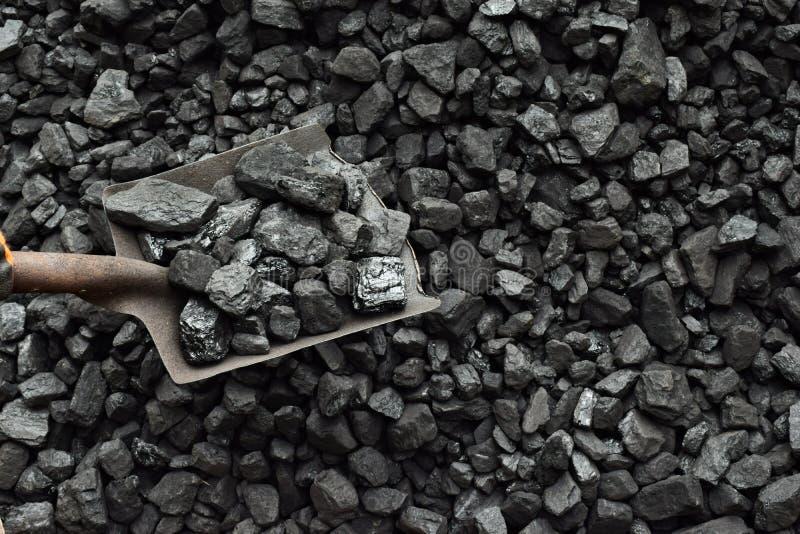 Schop en steenkool royalty-vrije stock afbeeldingen