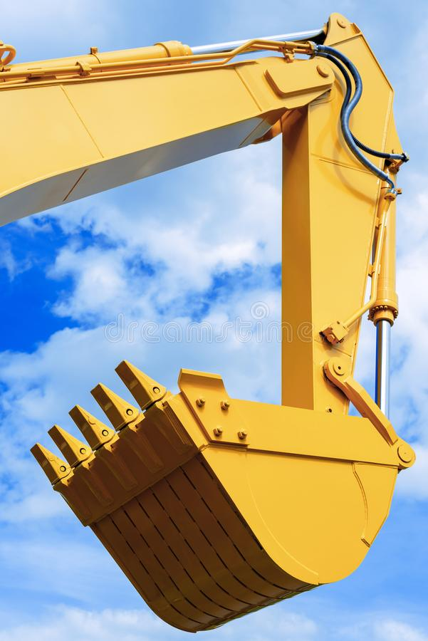 Schopemmer tegen de blauwe hemel, liftladingen, bouwmachines stock foto's