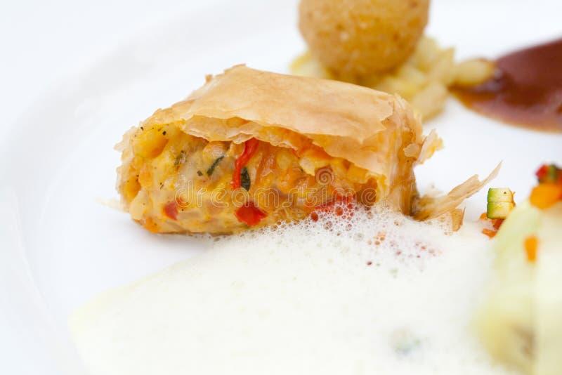 Schotel met schuim - een moleculair gastronomieelement stock foto's