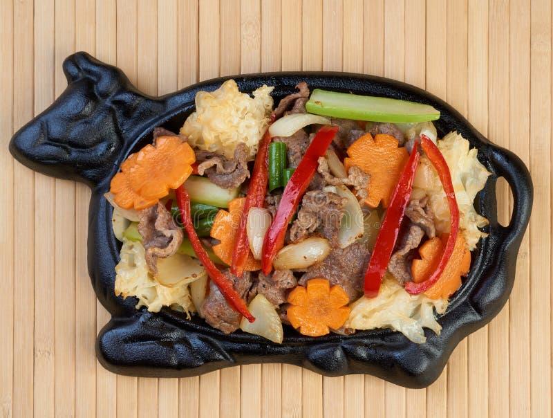 Schotel van Chinese keuken stock foto's