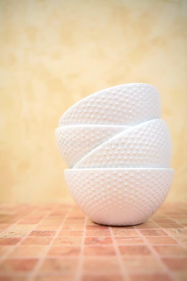 Schotels, ceramische terrines stock foto