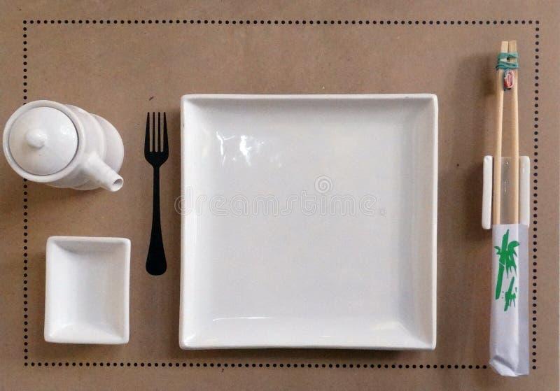 Schotels voor sushi stock fotografie