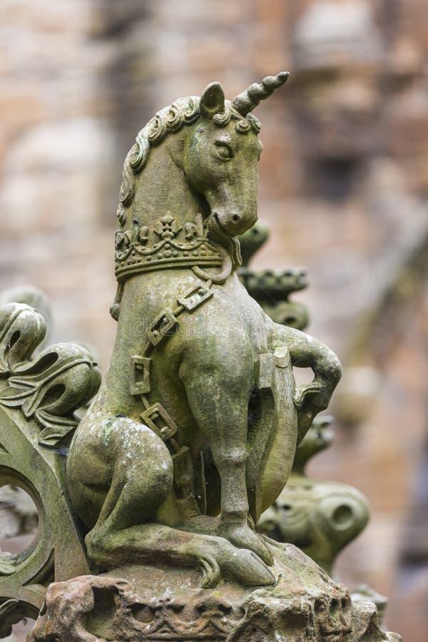 Schots Eenhoornbeeldhouwwerk bij Linlithgow-Paleis, Schotland stock foto's