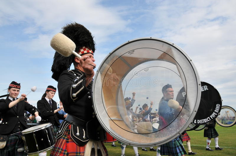 Schotse slagwerker bij de Spelen van Nairn Highlanf royalty-vrije stock fotografie