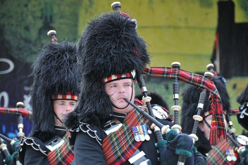 Schottische Rohre an der Edinburgh-Militär-Tätowierung stockbild