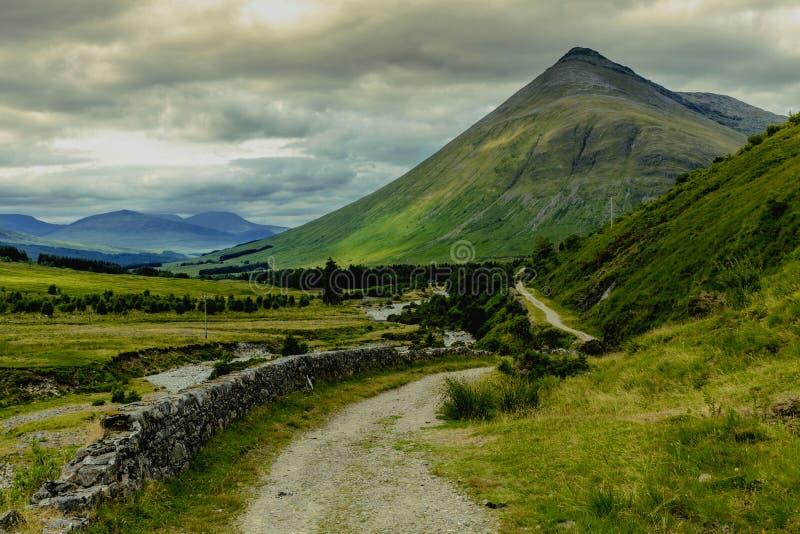 Schottland-Hochland-Landschaft in der Brücke der Orchy-Natur-Reise lizenzfreie stockfotografie