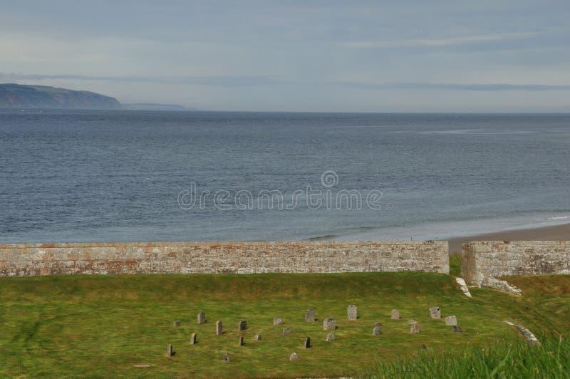 Schottland-Kirchhof auf dem Meer stockfoto