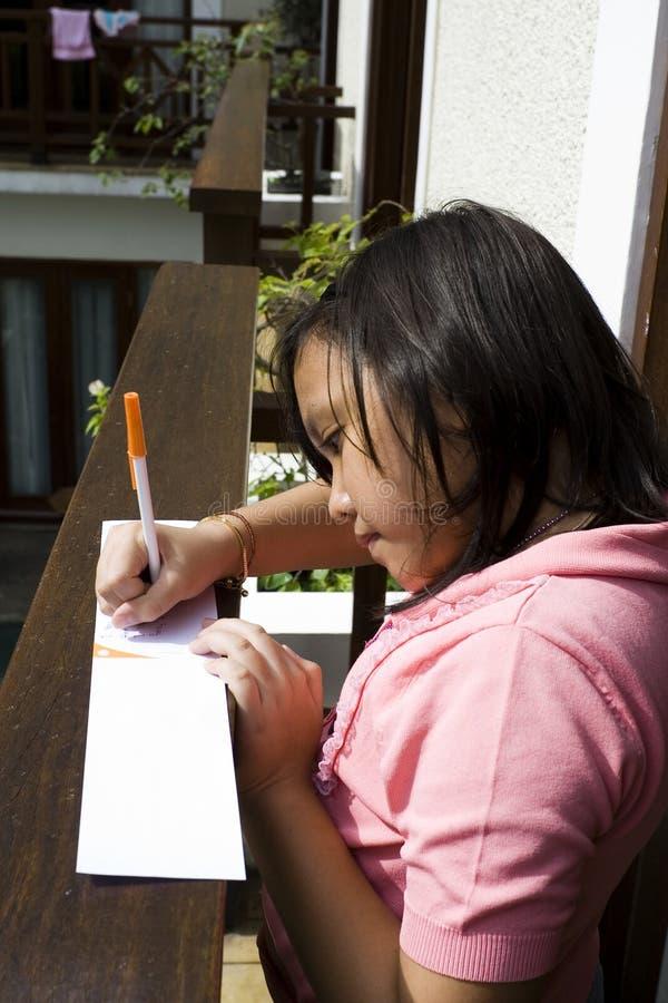 Schreiben auf den Balkon stockbilder