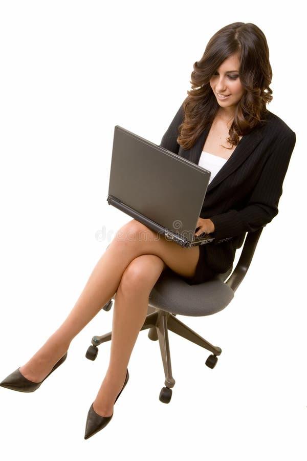Schreiben auf Laptop stockbild
