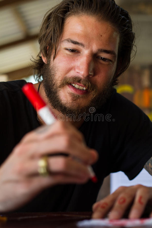 Download Schreiben Des Jungen Mannes Stockfoto - Bild von farbe, lächeln: 27731056