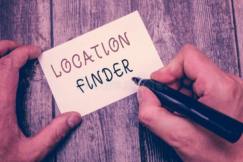 Schreibensanmerkung, die Standort-Sucher zeigt Geschäftsfoto, das a-Service gekennzeichnet, um die Adresse eines vorgewählten Pla stockfotos