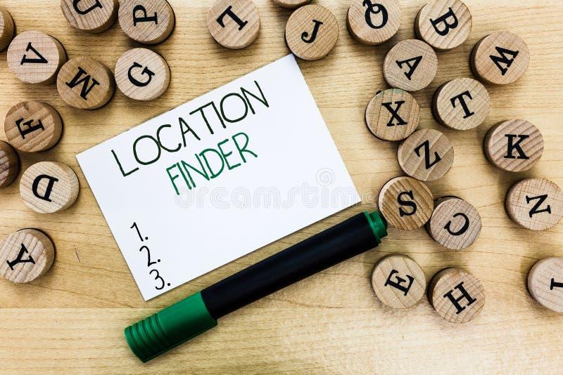 Schreibensanmerkung, die Standort-Sucher zeigt Geschäftsfoto, das a-Service gekennzeichnet, um die Adresse von zu finden vorgewäh stockbild