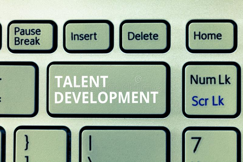 Schreibensanmerkung, die Talent-Entwicklung zeigt Geschäftsfoto Präsentationsgebäude-Fähigkeits-Fähigkeiten, die möglichen Führer stock abbildung