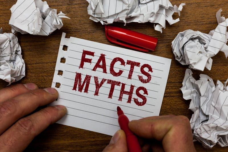 Schreibensanmerkung, die Tatsachen-Mythen zeigt Präsentationsarbeit des Geschäftsfotos basiert auf Fantasie eher als auf aus dem  stockfotos