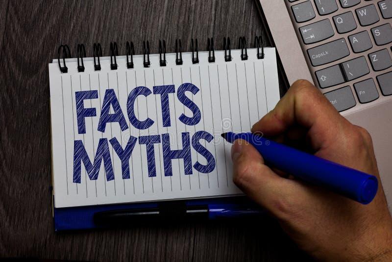 Schreibensanmerkung, die Tatsachen-Mythen zeigt Präsentationsarbeit des Geschäftsfotos basiert auf Fantasie eher als auf aus dem  lizenzfreie stockfotos