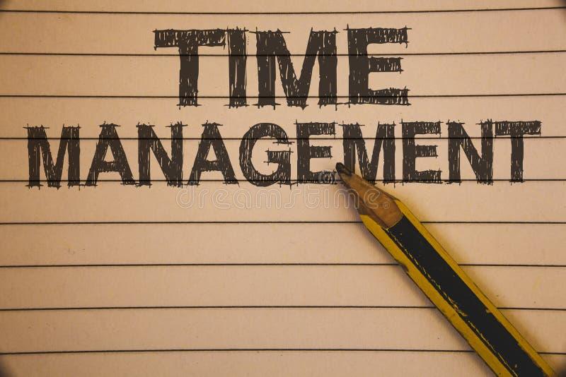 Schreibensanmerkung, die Zeit-Management zeigt Geschäftsfoto Präsentationszeitplan plante für Job Efficiency Meeting Deadlines Id lizenzfreies stockfoto