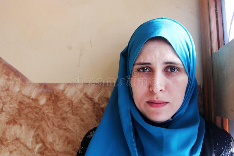 Schreiende arabische moslemische Frau stockbilder