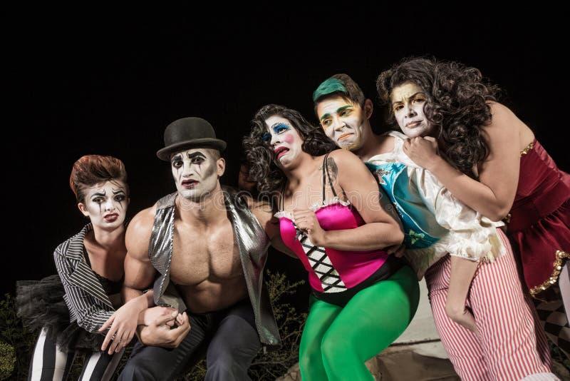 Schreiende Cirque-Clowne lizenzfreie stockfotografie