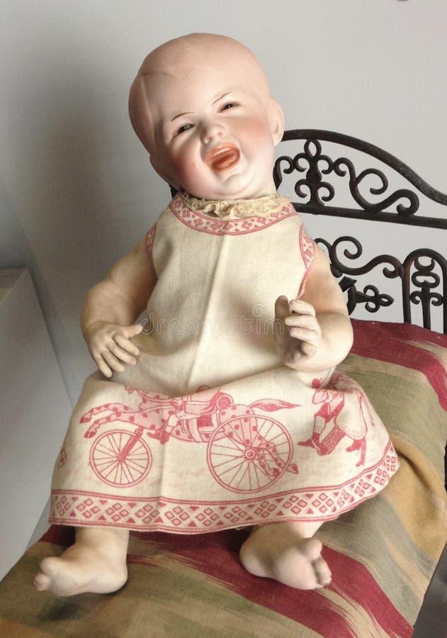 Schreiende Puppen-Anzeige am Puppen-Museum im Rocca von Angera, Italien lizenzfreie stockbilder