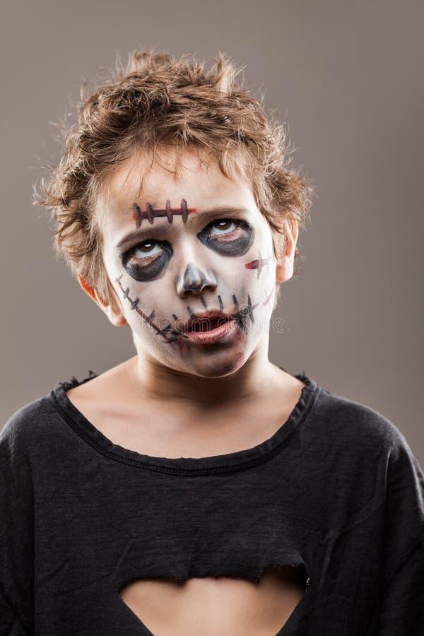 Schreiender gehender toter Zombiekinderjunge lizenzfreie stockbilder