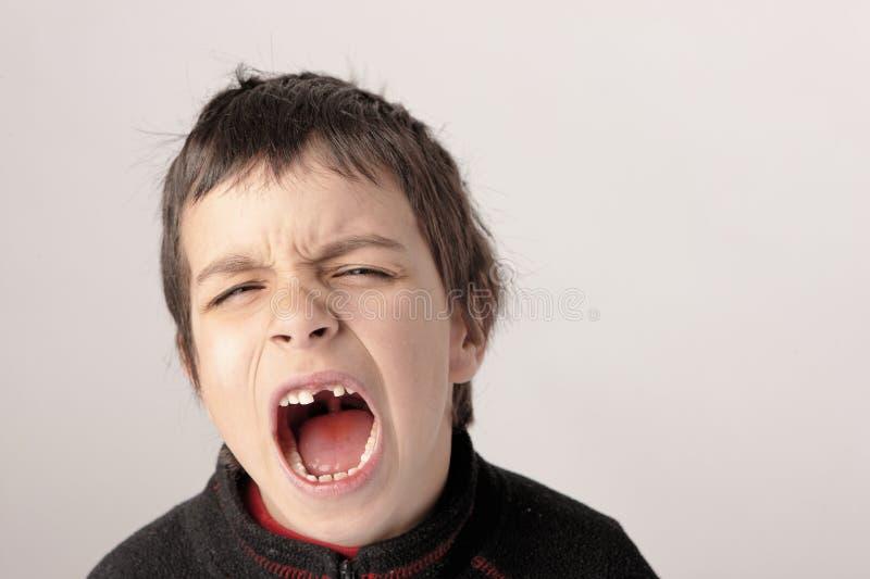 Schreiender Junge 2 stockfotografie