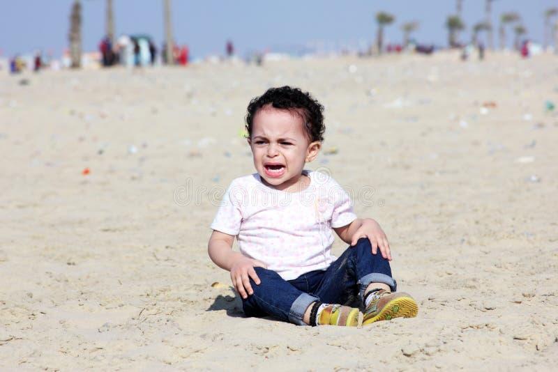 Schreiendes arabisches Baby lizenzfreies stockbild