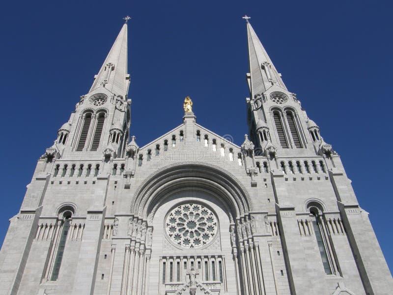 Schrein und Kathedrale bei Ste Anne de Beaupre lizenzfreies stockbild