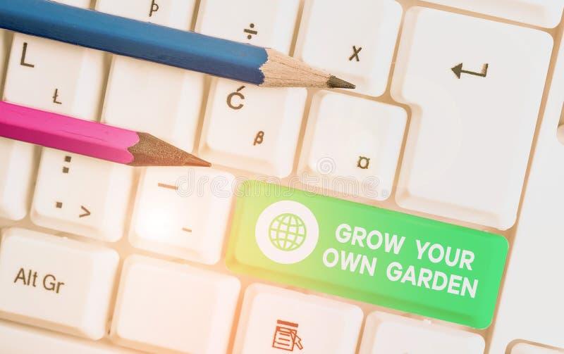 Schriftzug mit dem Titel 'Grow Your Own Garden' Business-Foto-Präsentation Organic Garening Sammlung Demonstration lizenzfreie stockfotos