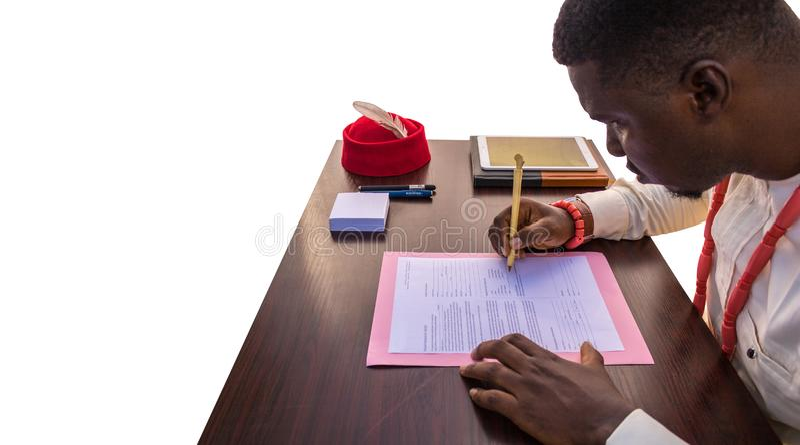 Schrijf een Bedrijfsdocument in Afrika royalty-vrije stock foto