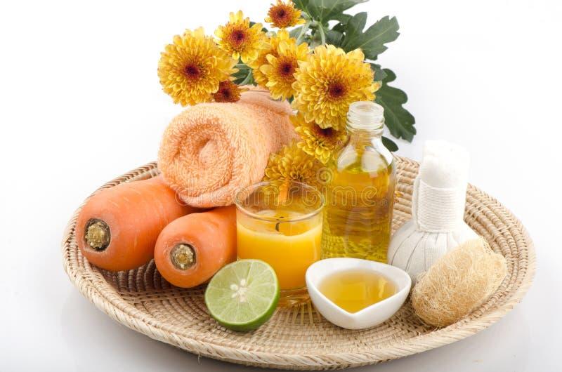 Schrob wortelen, honing, olijfolie voor gevoelige huid, voeg lemon spa behandelingen toe royalty-vrije stock foto's