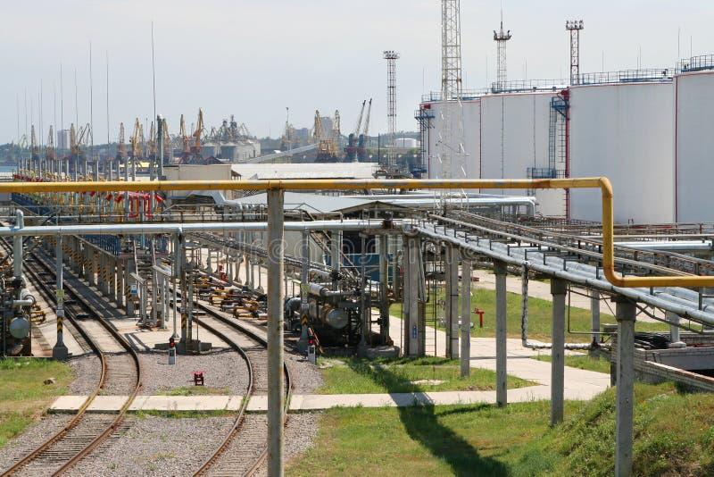 schronienie oleju zbiorniki przewodów obrazy stock
