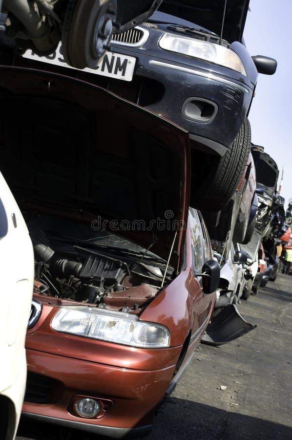 Download Schrottautostapel stockfoto. Bild von autos, wiederverwertung - 9092322