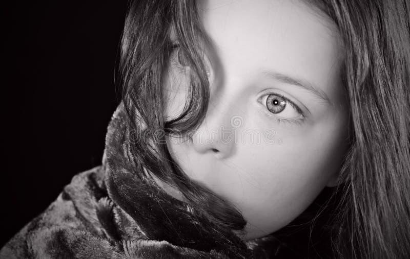 Schuß eines erschrockenen Kindes lizenzfreie stockbilder