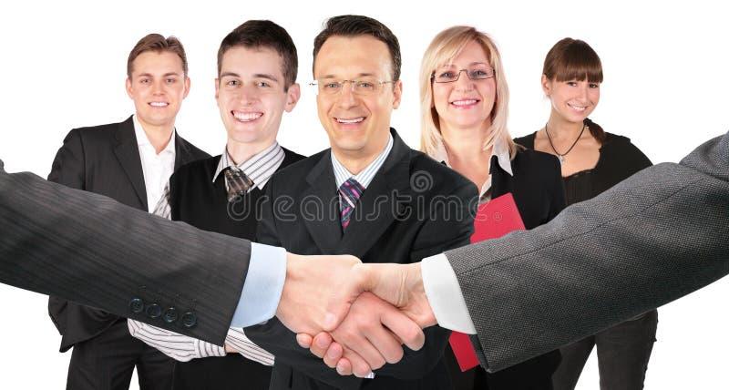Schuddende handen en vijf commerciële groepscollage royalty-vrije stock fotografie