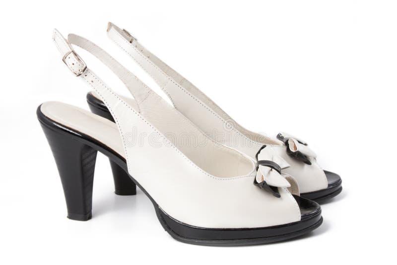 Schuh der Schwarzweiss-Frauen lizenzfreie stockbilder