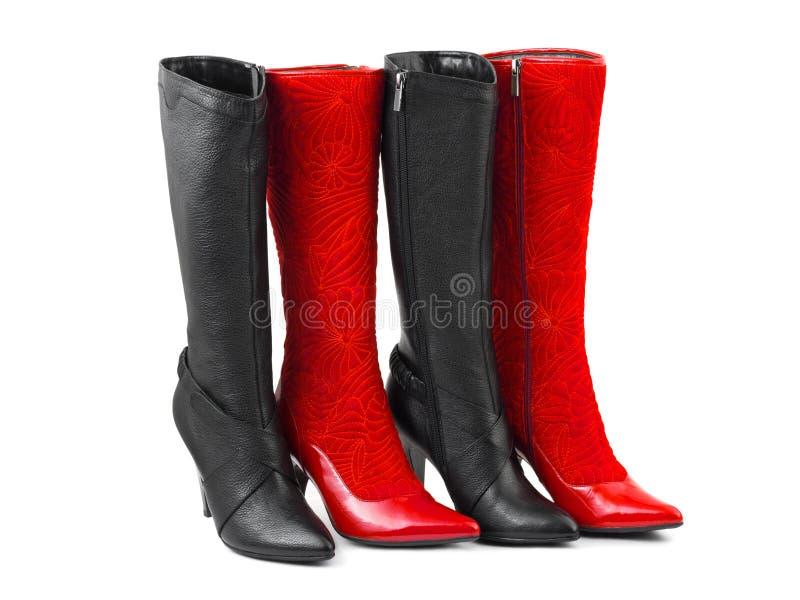 Schuhe der roten und schwarzen Frau stockbilder