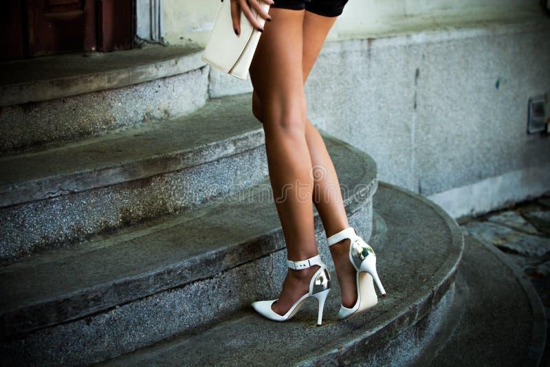 Schuhe des hohen Absatzes stockbilder