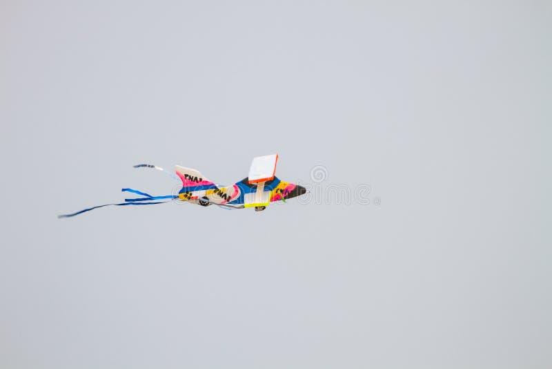 Schuimvliegtuig op het strand royalty-vrije stock afbeeldingen