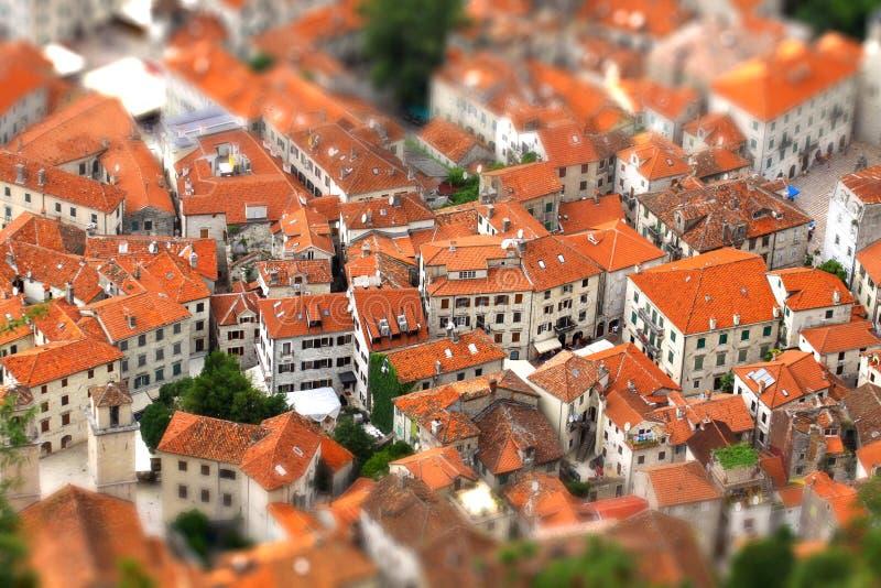 Schuine stand-verschuiving effect van Kotor oude stad, Montenegro stock foto