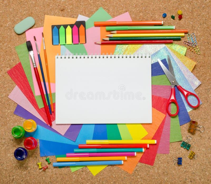Schul- und Bürozusätze stockbilder