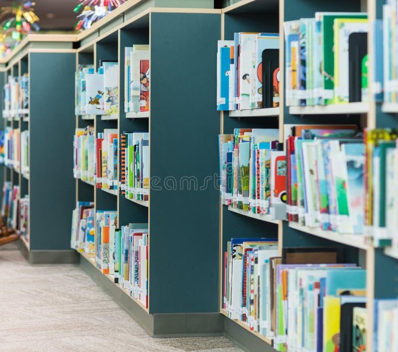 Schulbibliothek lizenzfreies stockfoto