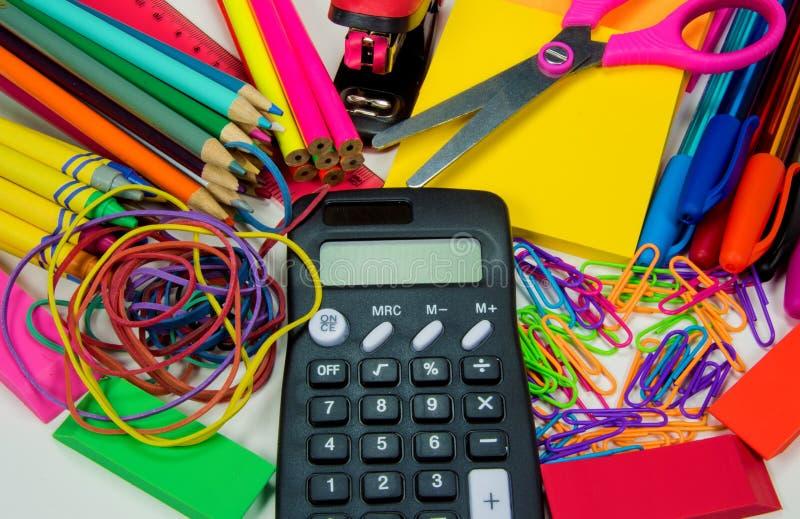 Schule- und Bürozubehöre lizenzfreies stockfoto