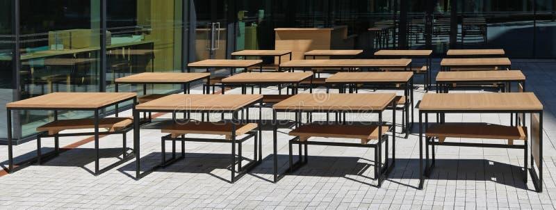 Schulen heraus im Sommerkonzept lizenzfreies stockfoto