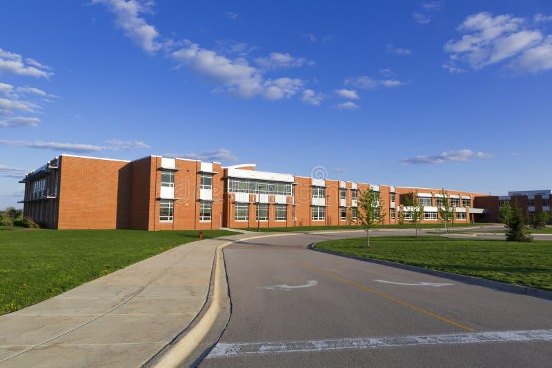 Schulgebäude lizenzfreie stockbilder